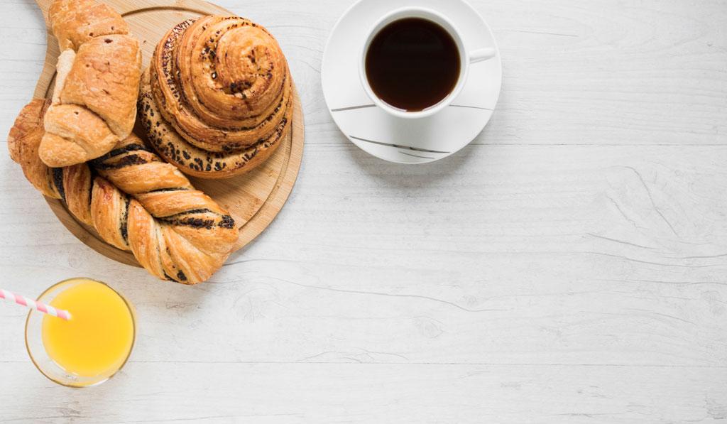Menu Colazione con Caffé, Succo o Spremuta, Brioche a 3.90€, solo da SmartFood a Torino!